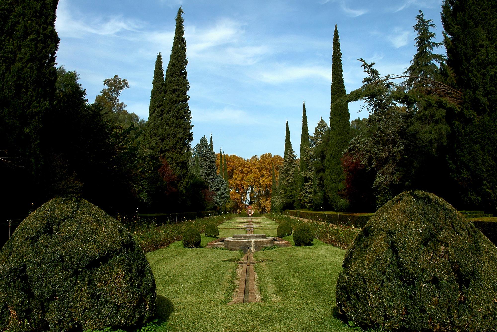 Visita a los jardines y palacio de moratalla amigos de for Jardines en cordoba capital