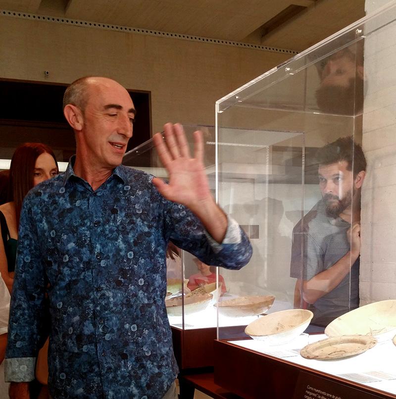 José Escudero Aranda, Director del Conjunto Arquelógico de Medina Azahara, nos guió por los diferentes espacios del museo.