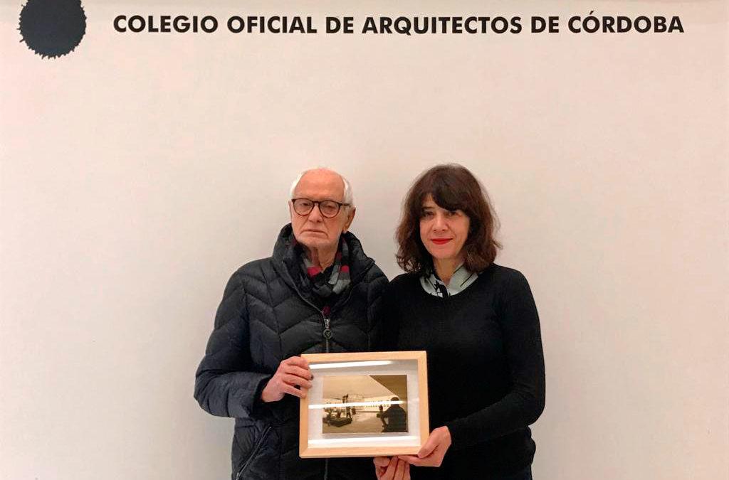 La arqueóloga Ana Zamorano toma el relevo de Juan Serrano en la presidencia de Amigos de Medina Azahara